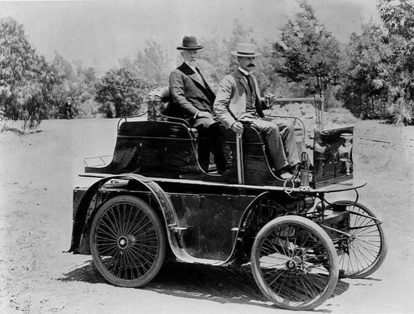 1897_first_car_in_LA_jpg